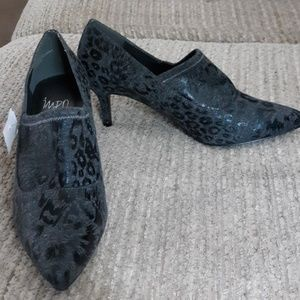 New no box..Impo stretch animal print 6.5 heel